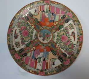 "Deoguang Family Rose Plate - Diam: 12"" China Image"