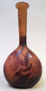 "Authentic Galle Cameo Glass Vase - H: 6.6"" Image"