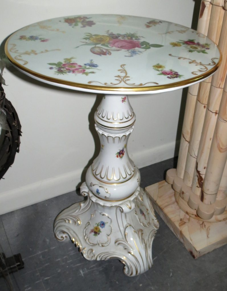 "Dresden Porcelain Table H: 28"" Top Diameter: 19"" Image"